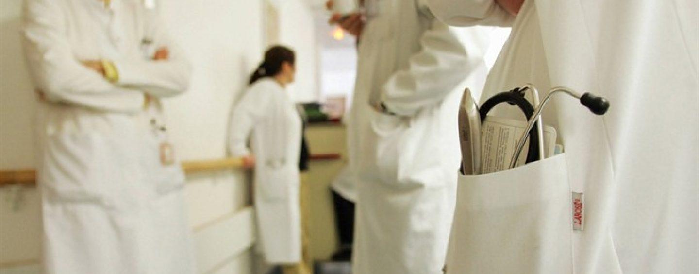 Covid, donna morta in ospedale: due medici indagati