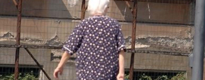 Sottrae 600 euro dalla Postpay di una anziana: denunciato