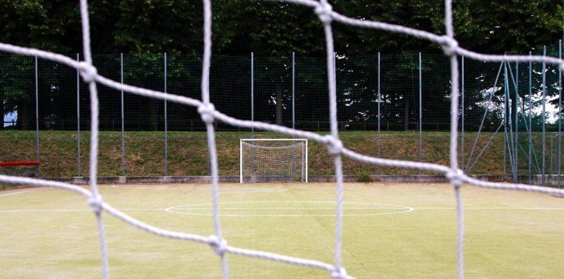 Lavori al campo di calcio senza contratto di subappalto: nei guai due imprenditori