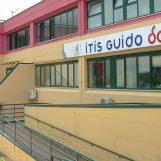 """Istituto """"Guido Dorso"""", insegnante positiva al Covid-19: classe in quarantena fino al 17 ottobre"""