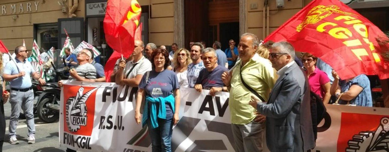"""""""Nessun segnale dal Mise"""". Ex Irisbus, riparte lo sciopero"""