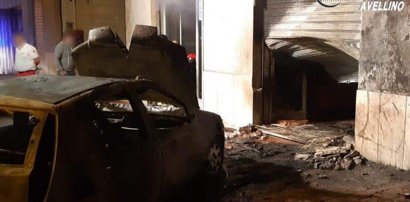 Con auto rubata sfondano la serranda di un negozio: panico a Contrada