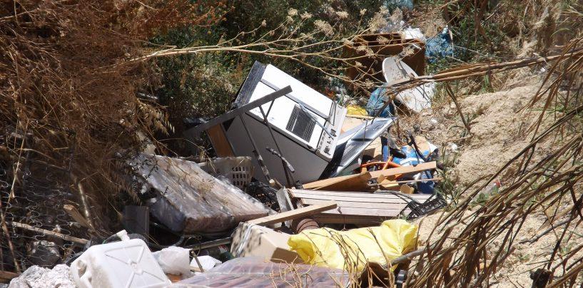 Scoperta una discarica abusiva di rifiuti speciali: denunciato un 70enne