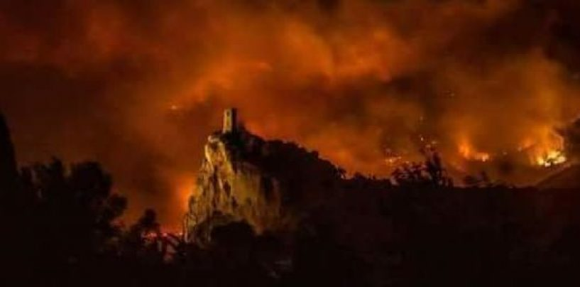 Inferno sul monte Serra. Centinaia gli sfollati nel Pisano