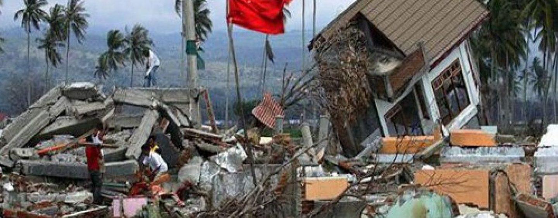 Magnitudo 7.5, l'Indonesia travolta dalla furia del sisma: oltre 800 morti