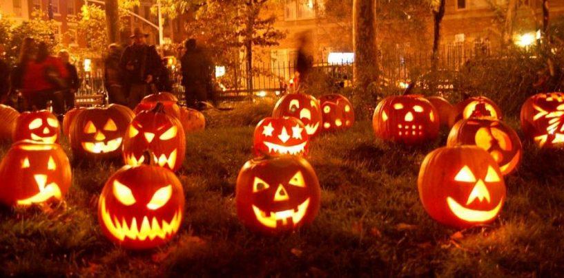 """De Luca: """"Tolleranza zero, stop feste e cortei funebri. Ad Halloween chiuderemo tutto dalle 22 in poi"""""""