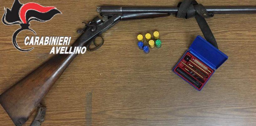 Sorpreso in casa con armi e cartucce, 68enne nei guai