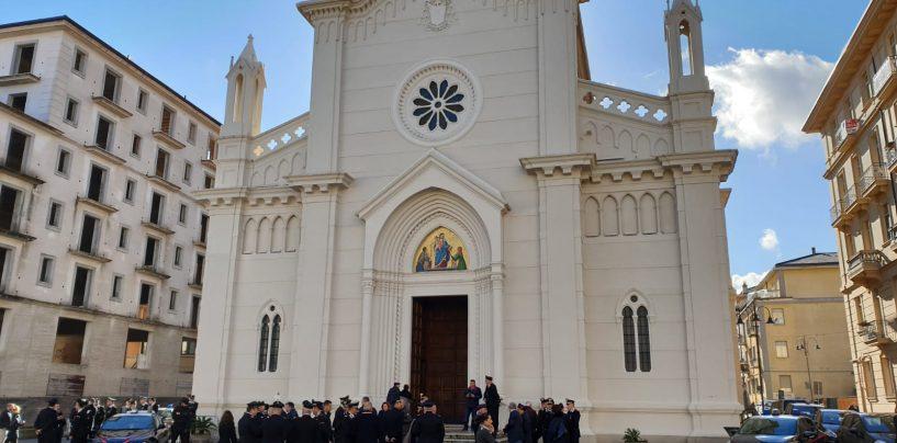 Molestano i fedeli davanti la Chiesa del Rosario: scatta l'allontanamento per due giovani rom