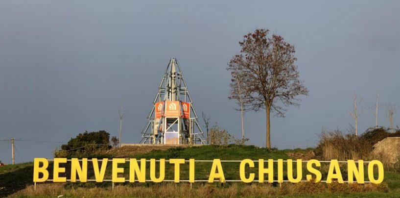A Chiusano il Natale è tecnologico, primo albero in Italia in steel frame