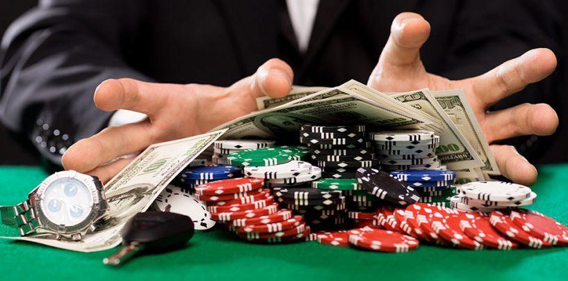 Sorpresi dai Carabinieri a giocare d'azzardo, in cinque nei guai