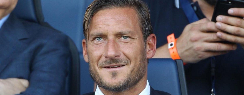 Francesco Totti compie 44 anni, gli auguri all'ex capitano