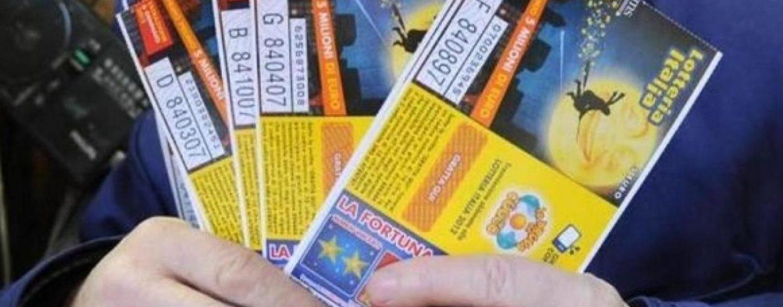 Lotteria Italia: in Campania è caccia al biglietto fortunato. In Irpinia staccati 60mila tagliandi