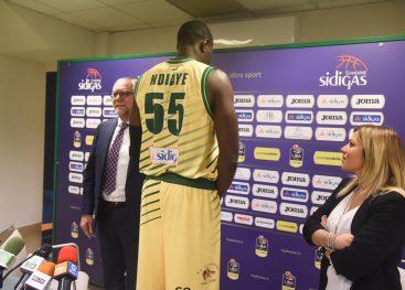 FOTO/ Sidigas, ecco la maglia celebrativa per le Final Eight