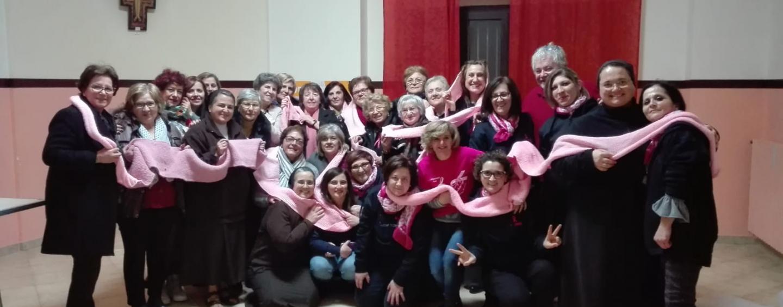 Lotta cancro al seno, l'Italia si ritroverà a Lioni attorno ad una grande sciarpa rosa