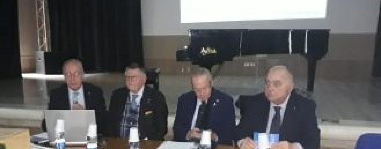 """Il virologo Tarro all'Imbriani: """"Basta insediamenti industriali nella Valle del Sabato"""""""