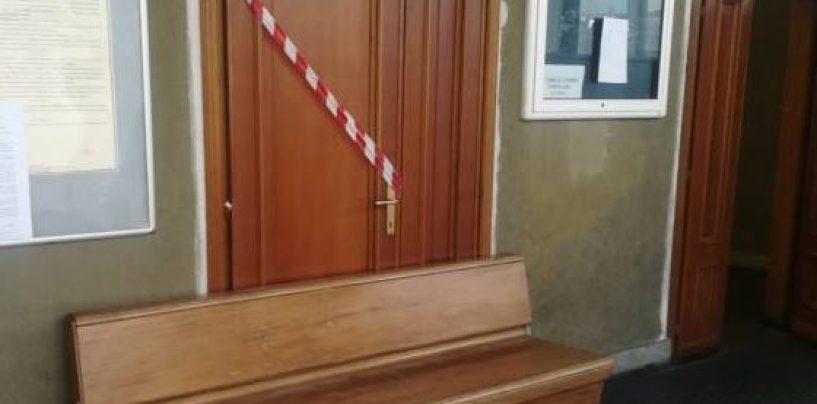 Cadono calcinacci in aula, paura in Tribunale