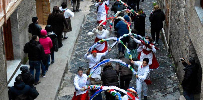 Carnevale forinese, tre giorni di canti e balli popolari all'insegna della tradizione