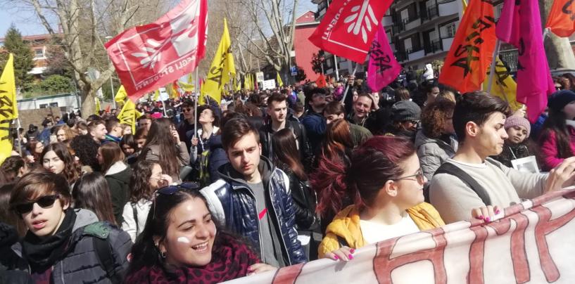La Primavera è arrivata ad Avellino, studenti in piazza da tutta la Campania contro le Mafie