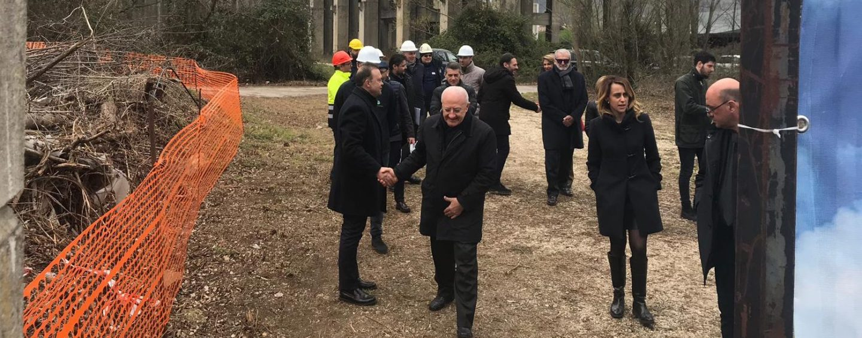 Isochimica, inchiesta sulla visita di De Luca e Priolo. La Procura chiede nuove indagini