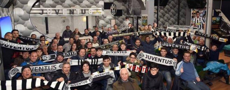 Cena bianconera ad Ariano, tre generazioni di campioni della Juventus incontrano i tifosi