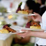 Covid, bozza decreto legge: dal 1° giugno in zona gialla ristoranti anche al chiuso