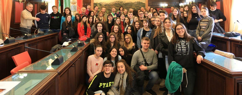 """Alla scoperta dei """"Tesori nascosti"""", gli studenti del Ruggero II diventano guide turistiche"""