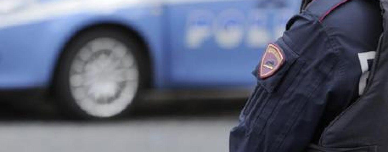 Gli rubano 9mila euro ma lui reagisce: ferito un camionista nel napoletano