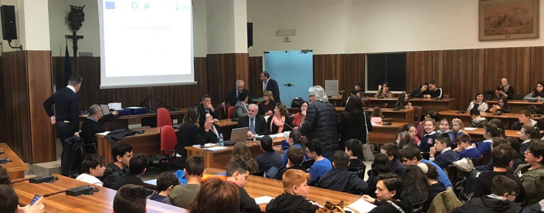 """In tre anni la nuova """"Dante Alighieri"""": il progetto c'è e gli alunni riempiono Palazzo di Città"""