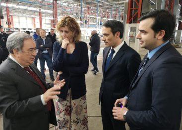 FOTOGALLERY/ Il Ministro del Sud Lezzi in visita allo stabilimento di I.I.A.