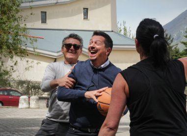 FOTOGALLERY/ Movimento 5 Stelle in tour tra i quartieri di Avellino