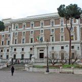 Coronavirus: online l'autocertificazione per gli spostamenti in Lazio, Campania e Lombardia