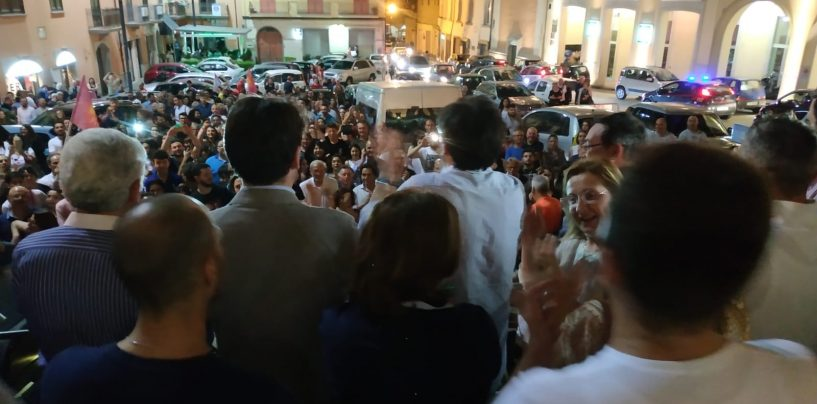 FOTO/ Caroselli fino all'alba, Ariano festeggia il nuovo sindaco Enrico Franza