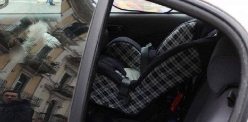 Abbandonata in macchina per ore sotto al sole, muore bimba di 4 anni