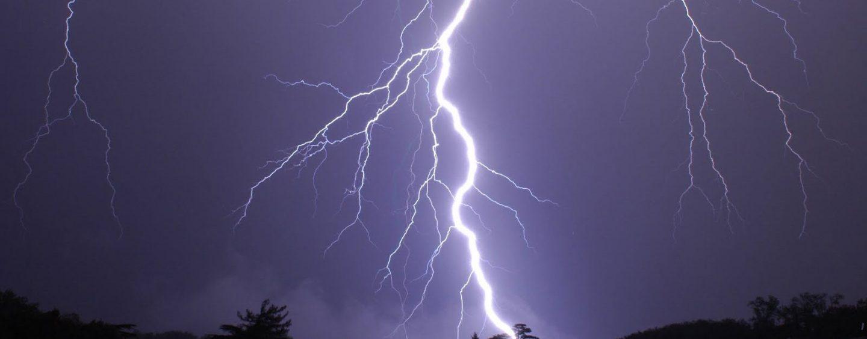 Campania: dalla mezzanotte possibili temporali, raffiche di vento, fulmini e grandine