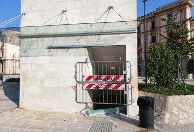 Avellino, vandalizzati i bagni di Piazza Libertà