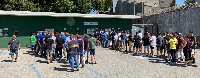 Avellino-Bari, cresce l'attesa: mille biglietti staccati in mattinata