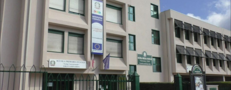 Scuola, si torna sui banchi: a Grottaminarda gli auguri dell'amministrazione