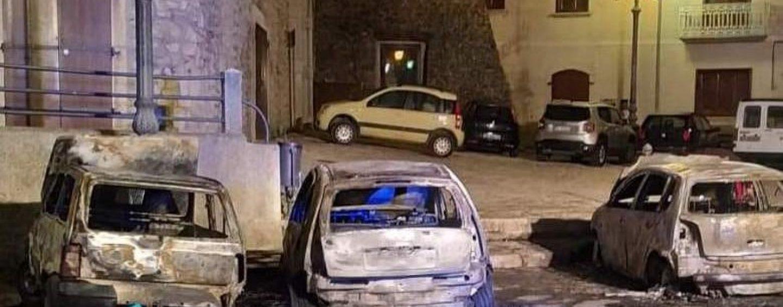 Auto in fiamme a Montemiletto, indagano i Carabinieri