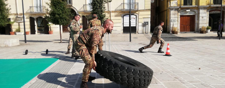 """FOTO / L'Esercito """"invade"""" pacificamente Avellino. Cittadini e militari si allenano insieme"""