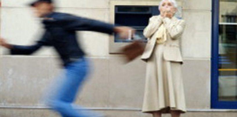 Scippa un anziano, denunciato un quarantenne ad Atripalda