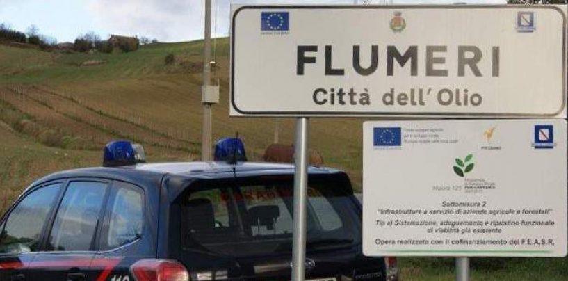 Sorpreso con un'ascia, un machete, hashish e marijuana: arrestato 45enne di Flumeri