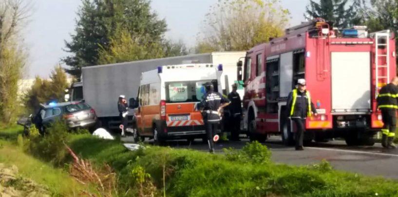 Scontro frontale sulla Nazionale per Carpi, muore automobilista 75enne originario di Avellino