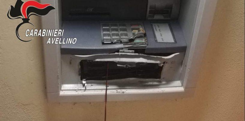 Salta il bancomat e anche il colpo: ladri in fuga a Savignano Irpino