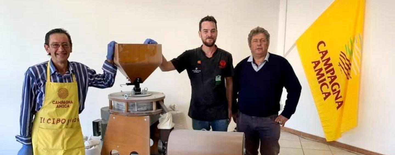 """A scuola di cibo con Coldiretti: ad Avellino il mini mulino """"Campagna amica"""""""