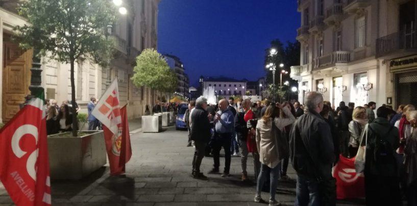 """""""Vanno fermate subito le operazioni contro i curdi"""". Cgil e associazioni in piazza ad Avellino per dire no alla guerra"""