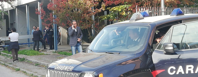 Avellino, la rabbia dell'abusivo Giuseppe: prende a pugni un'auto. A Valle sale la tensione