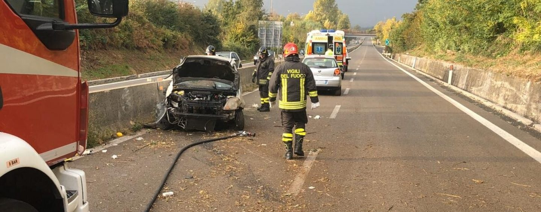 Sbanda in autostrada: paura sul raccordo all'altezza di Serino