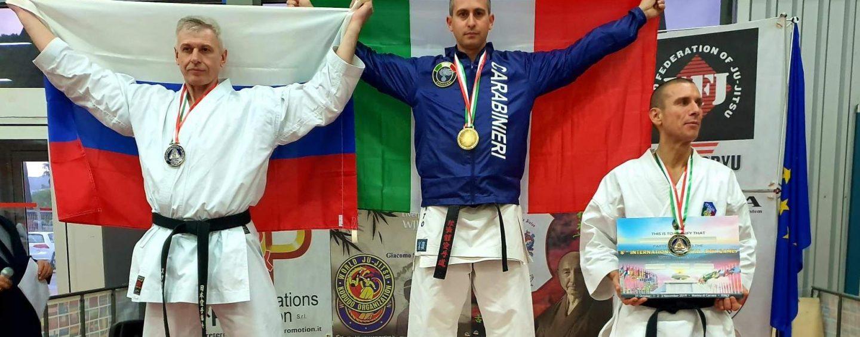 Karate: il maestro Davide Pinto, appuntato dei Carabinieri in servizio a Grottaminarda, è campione del mondo