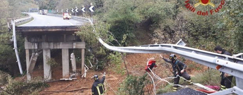 Autostrade da paura, crolla viadotto sull'A6