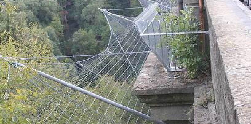 """Ponte della Ferriera, il sindacato di Polizia: """"Le reti metalliche sono inefficaci"""""""